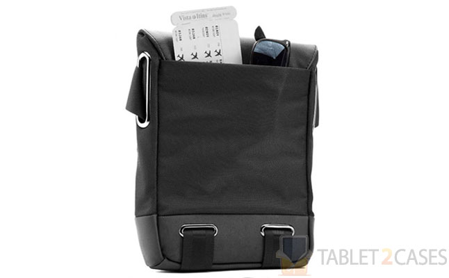 f174b9c7e2 Don t Shoot the iPad 2 Messenger With Booq Cobra Courier XS Bag ...