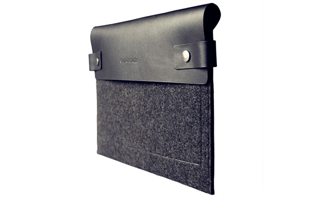 Charbonize iPad Sleeve