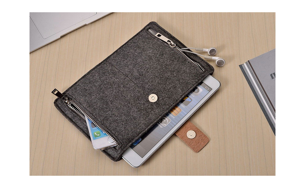 Autumn Store Felt iPad Sleeve review
