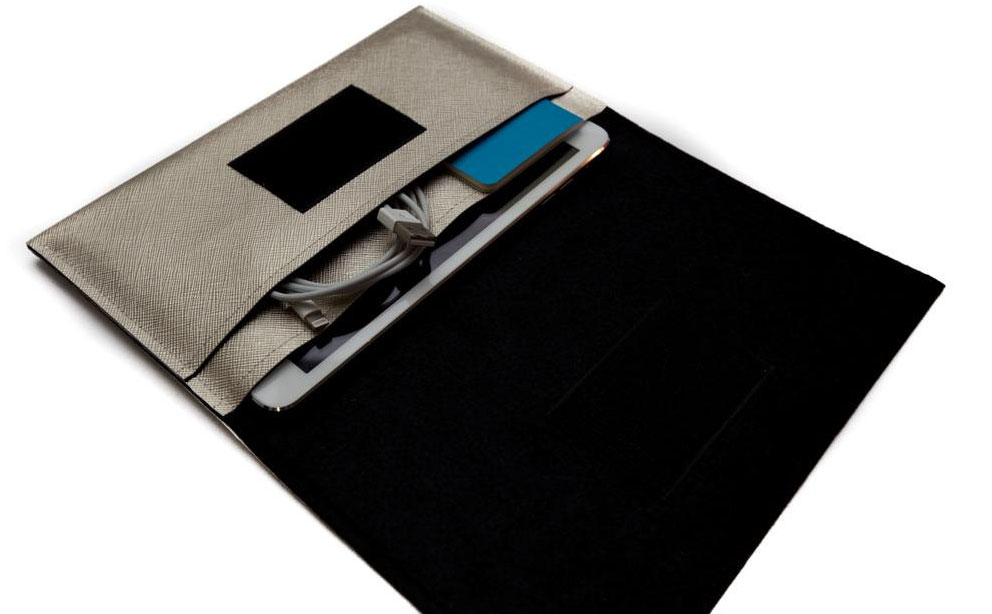 Weird Old Snail iPad Mini Sleeve review